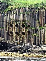 Каналы в скалах. Иллюстрация с сайта «Заговор Ориона»