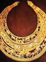 Золотая пектораль из кургана Толстая Могила