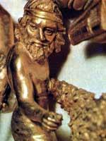 Скиф на золотой пекторали из кургана Толстая Могила
