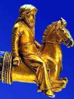 Скиф на золотой гривне из кургана Куль-Оба