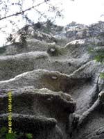 Мегалитическая стена на горе Шаман, с. Нижнетамбовское, на Амуре