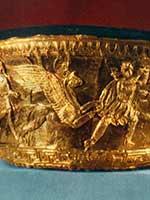 Калаф. Битва аримаспов с грифонами. Первая половина IV в. до н.э. Боспорское царство, курган Большая Близница. Таманский полуостров