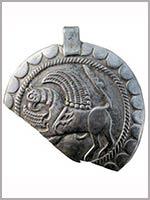Бляха с изображением грифона. Кинтусовский могильник (ХМАО)