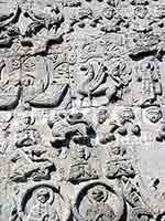 Грифоны на стенах Георгиевского собора в Юрьеве-Польском