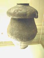 Свастика на Урне для праха, Кьюзи, Тоскана 900-700 г.до н.э.