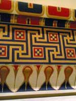 Недавно учёные выяснили, что фриз Парфенона был многоцветным (полихромным), а не белым…