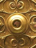 Свастика на кельтском щите, Англия, 1 в. до н.э – 1 в. н.э. (деталь).