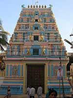 Свастика на индуистском храме, Путапарти