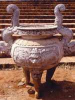 Свастика на храмовой святыне