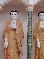 Свастика в Малайзии. 10 000 статуй Будды