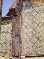 Узбекистан. Самарканд.  Свастика на мечети Биби-Ханым