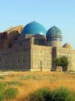 Казахстан. Город Туркестан. Свастичный орнамент на мавзолее Ходжа Ахмеда Яссауи