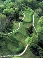 ������� ������ (The Great Serpent Mound) �� ��� ����� �����