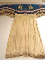 Свастика на индейском костюме