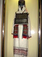Свастика на Праздничной одежде замужней женщины. Начало ХХ века. Верховые чуваши