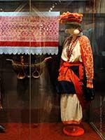 Женский свадебный костюм Тульской губ. 19 в. Этнографический музей в СПб.