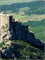 Крепость Керибус (Queribus). Иллюстрация из книги Светланы Левашовой «Откровение»