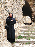 Центральная лестница замка Уссон... 2009 год