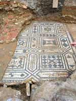 Мозаика со славяно-арийскими символами в Бордо (Bordeaux), запад Франции