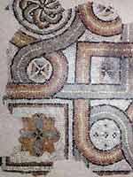 Мозаика со славяно-арийскими символами в Ниме (Nimes), на вилле la Lonquette-Bordeaux, запад Франции