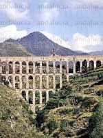 Акведук в городе Нерха (Nerja), юг Испании