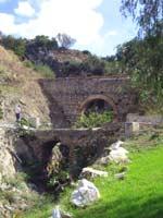 Акведук в городе Малаге (Malaga), юг Испании