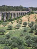Акведук в Португалии