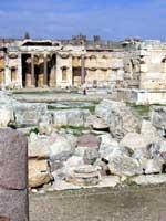 Храмовый комплекс, Баальбек. Сооружения внутри комплекса
