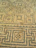 Скифополь. Мозаика со свастикой на полу в бане
