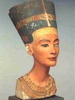 Бюст царицы Нефертити, приблизительно 1350 г. до н.э., Египетский Музей, Берлин