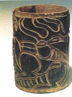 Предметы из могил белого человека в Китае. Леревянная чашка