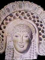 Женщина в кокошнике на антефиксе этрусского храма Уни