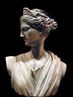 Артемида в венце