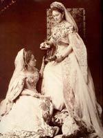 Великая княгиня Елизавета Фёдоровна (1864-1918) со своей фрейлиной
