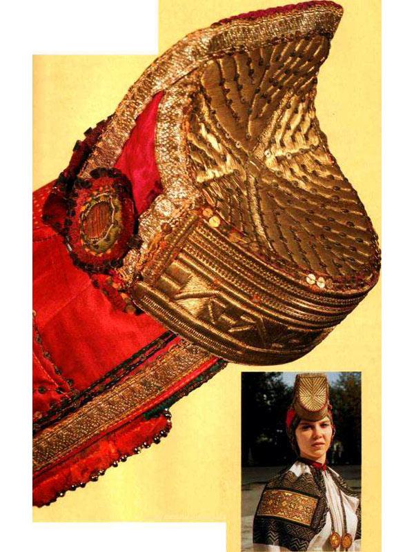 вязанный свитеррегдан девочке спицами