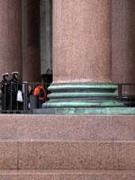 Заплаты на колоннах Исаакиевского Собора
