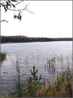 Рис.4. Воронка-озеро от взрыва 3-х ядерных зарядов в 1971 году