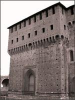 Рис. 2. Замок Сфорцо в Милане