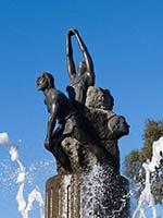 Памятник Дорамасу около места последней битвы