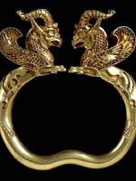 Браслет с грифонами из Амударьинского клада